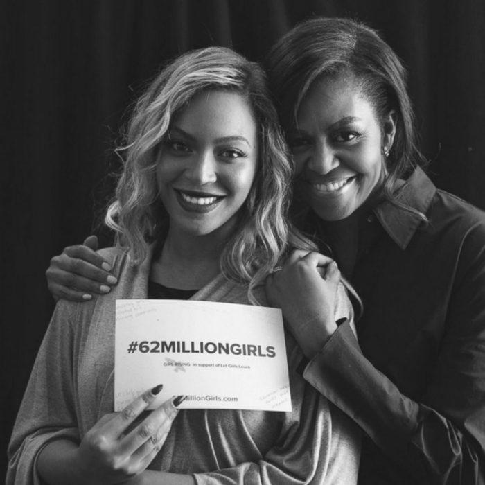Michelle obama abrazando a Beyoncé