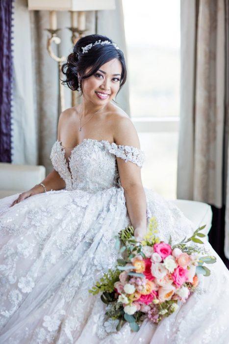 chica con vestido de novia