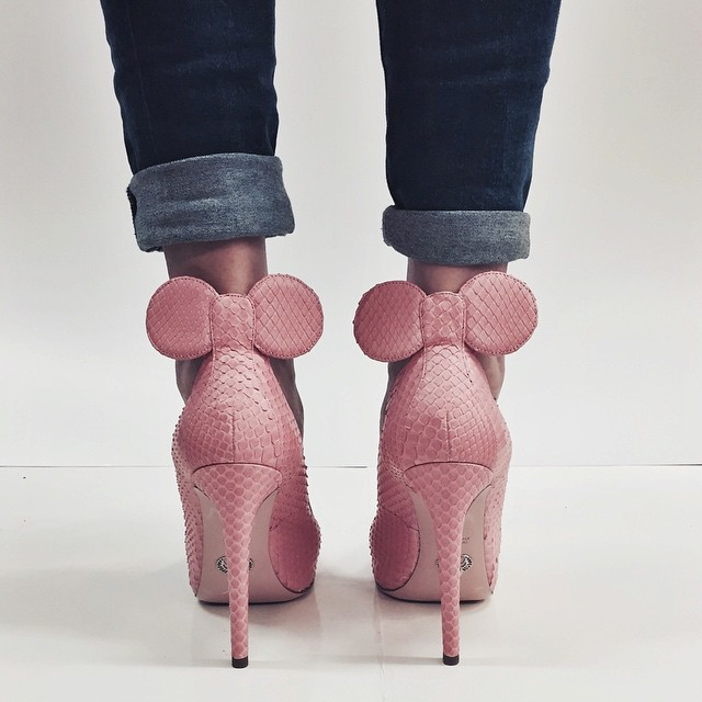 zapatillas rosas con mickey mouse