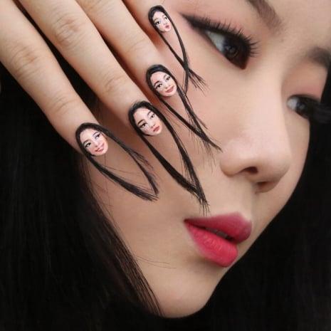 Uñas con cabello creadas por una artista coreana