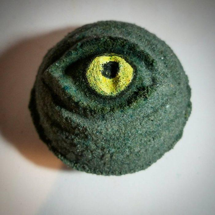 ojo de monstruo verde