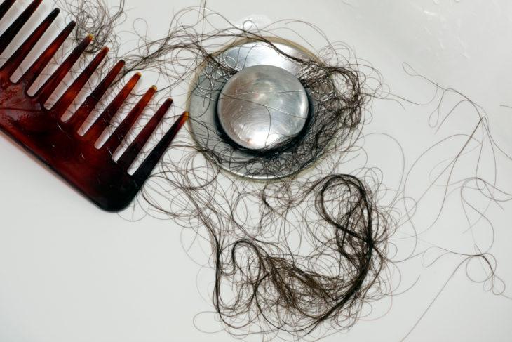 cabello en la ducha