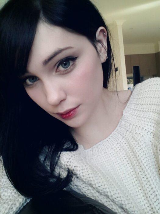 chica piel pálida