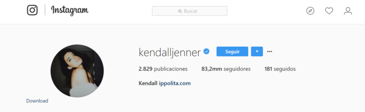 marca azul en instagram