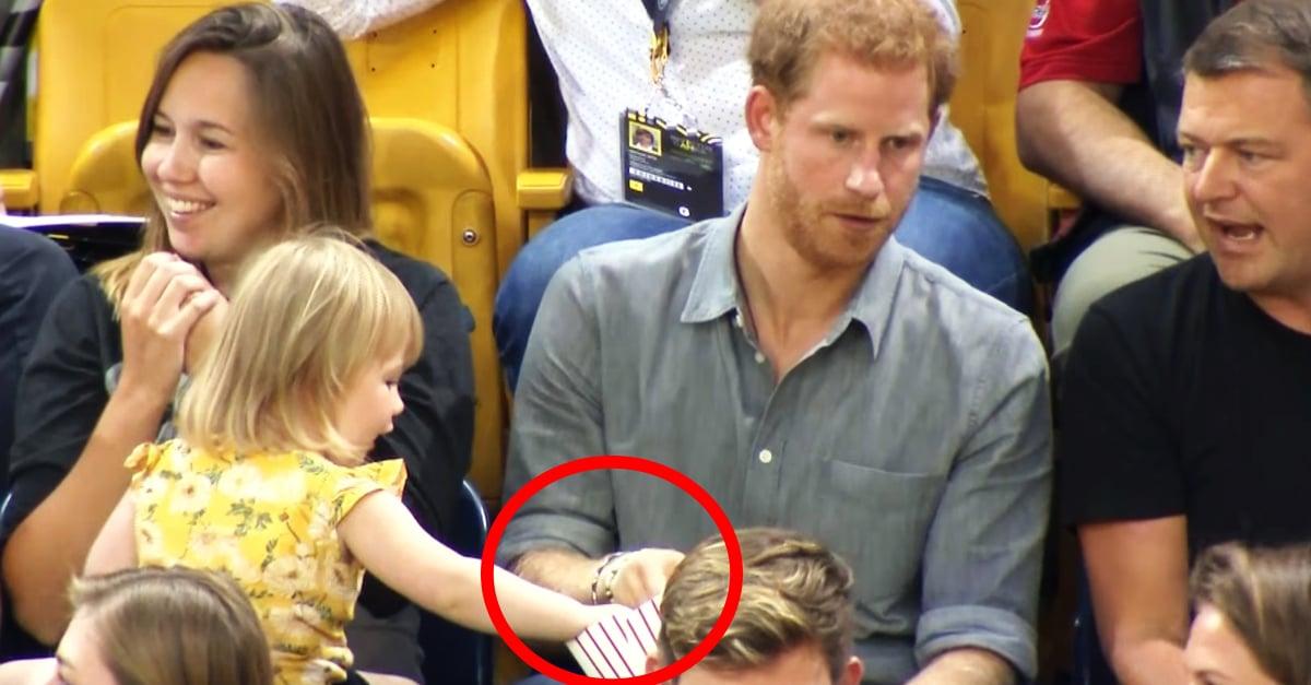 Esta niña roba las palomitas del príncipe Harry y él reacciona de esta manera