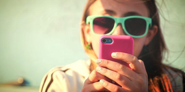 texteando chica
