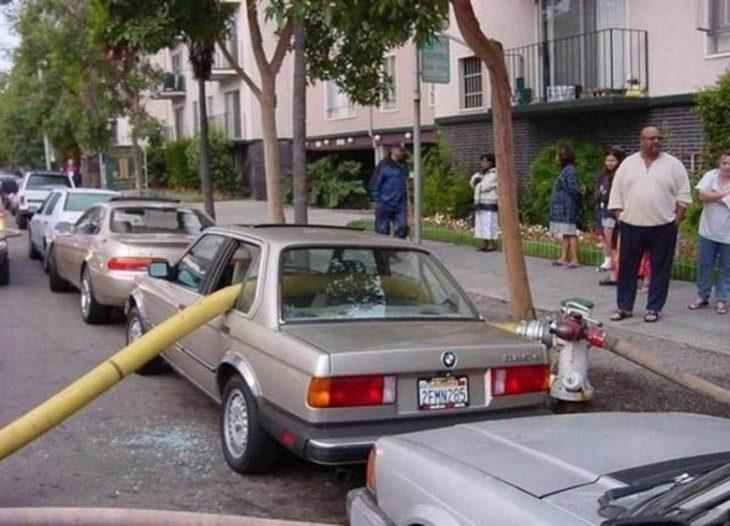 venganza estacionamiento