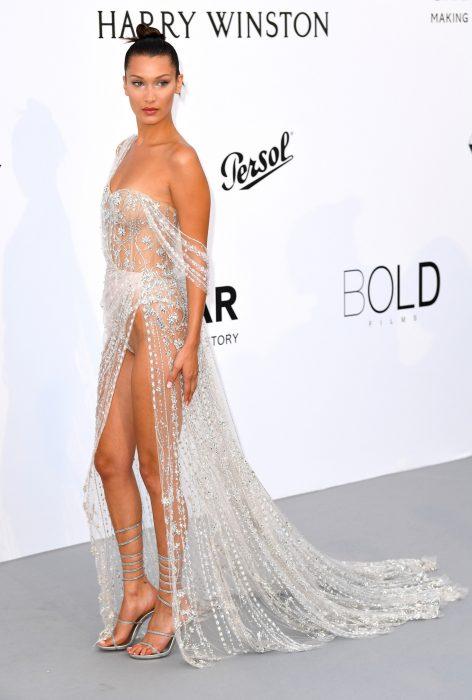 Bella Hadid vestido trasparente