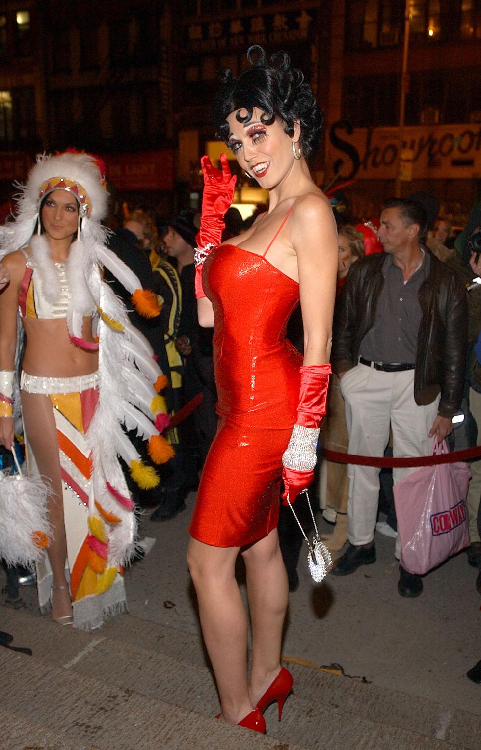 Heidi Klum la reina del Halloween con sus geniales disfraces