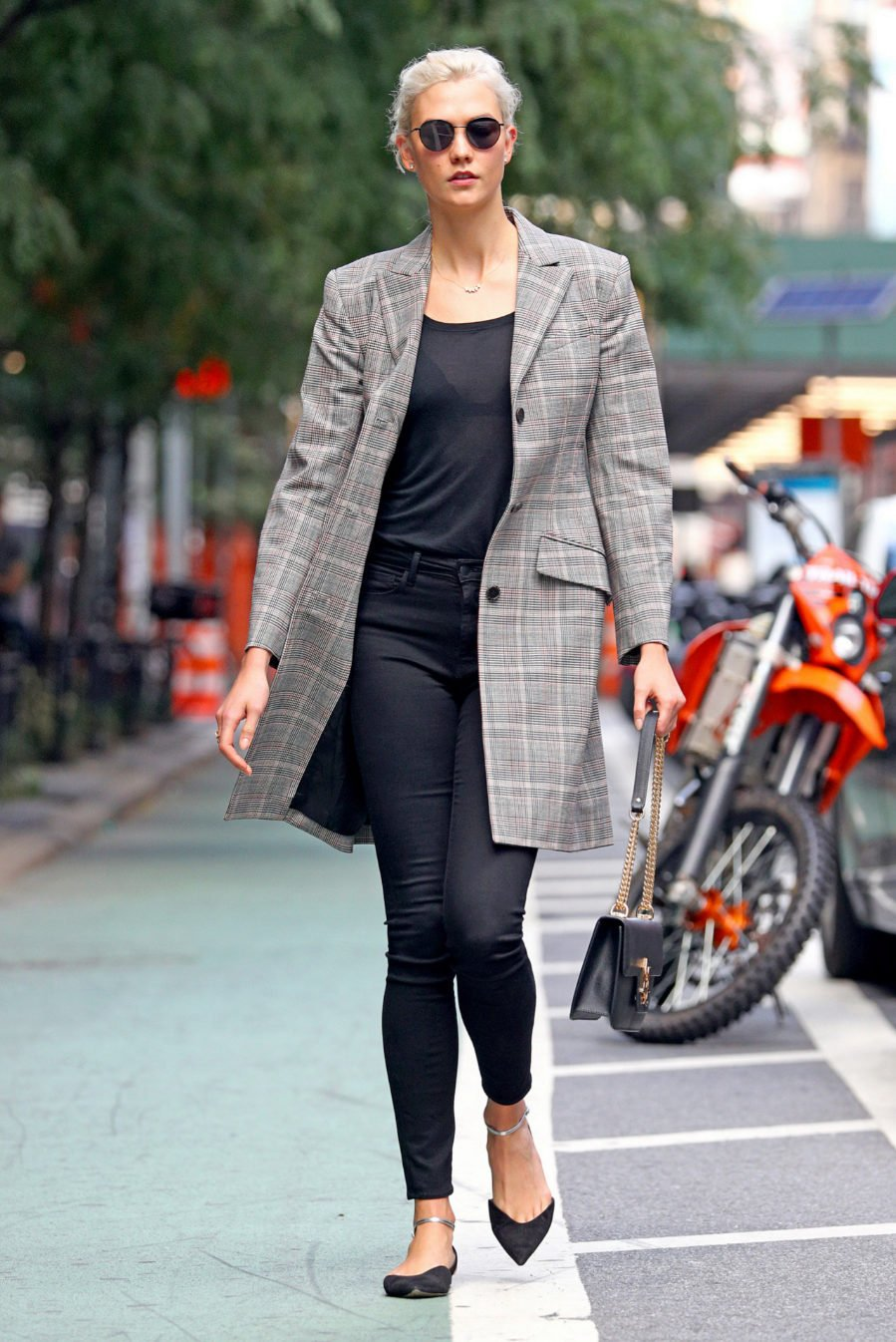 ba30b7a381 15 Ideas para usar blazer de forma casual y no de oficina