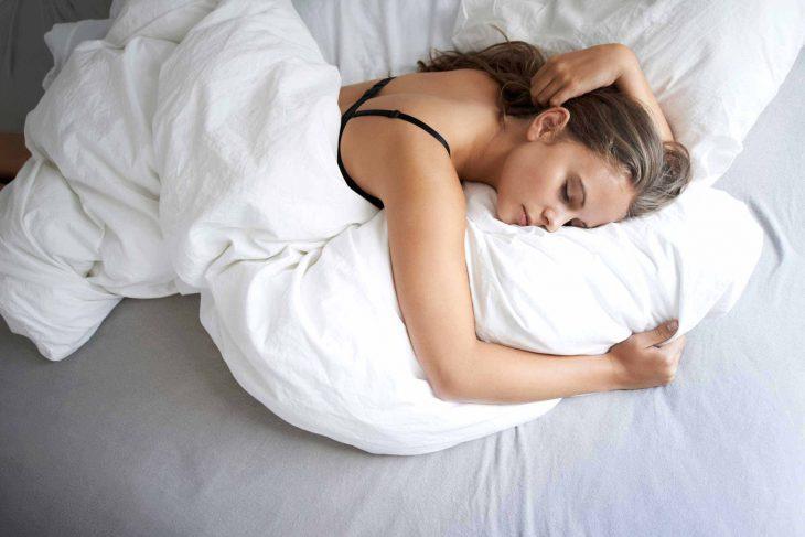 dormir con bra