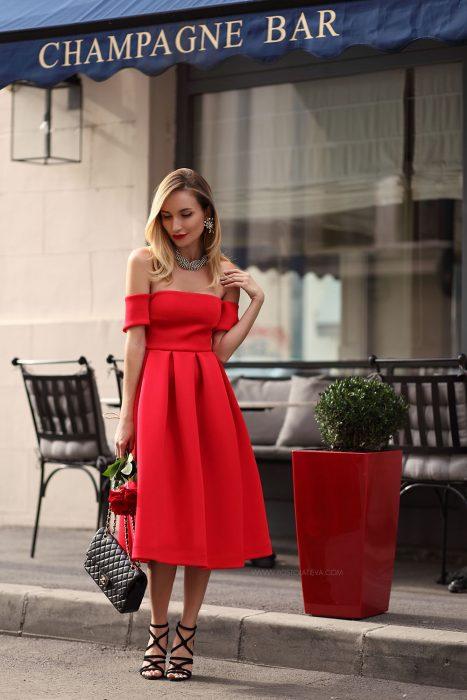 outfit vestido rojo