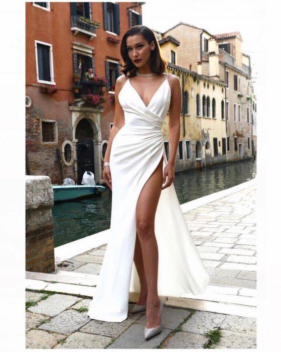 bella hadid vestido blanco