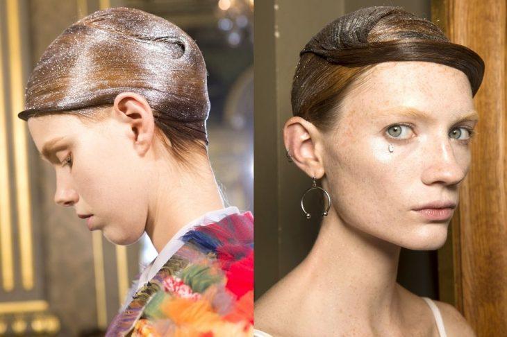 Cabello peinado conglitter - Thom Browne
