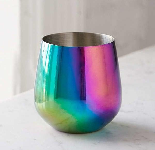 vasos de acero colorido