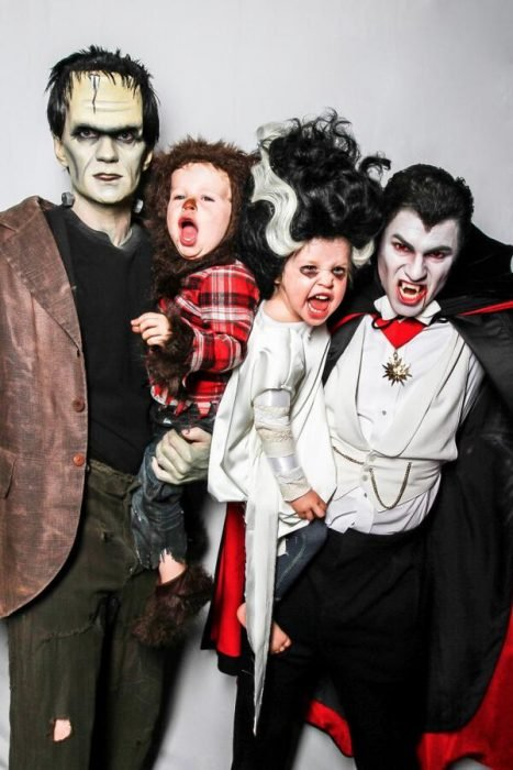 2013 (Part 2) — Frankenstein, The Wolfman, Bride of Frankenstein, and Dracula neil patrick harris y su familia