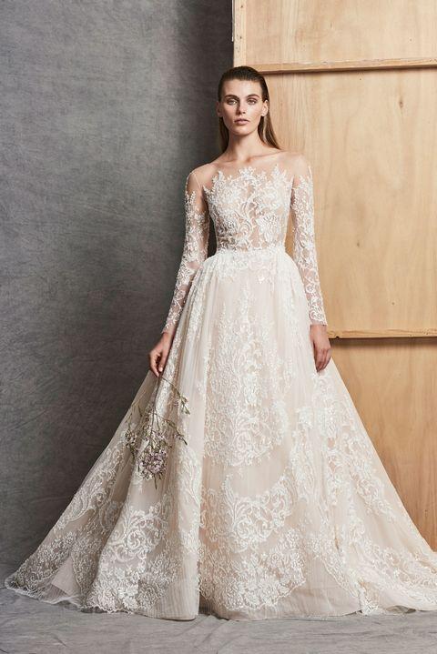 4c8ca72e82 25 Vestidos de novia de la semana de novias otoño 2018