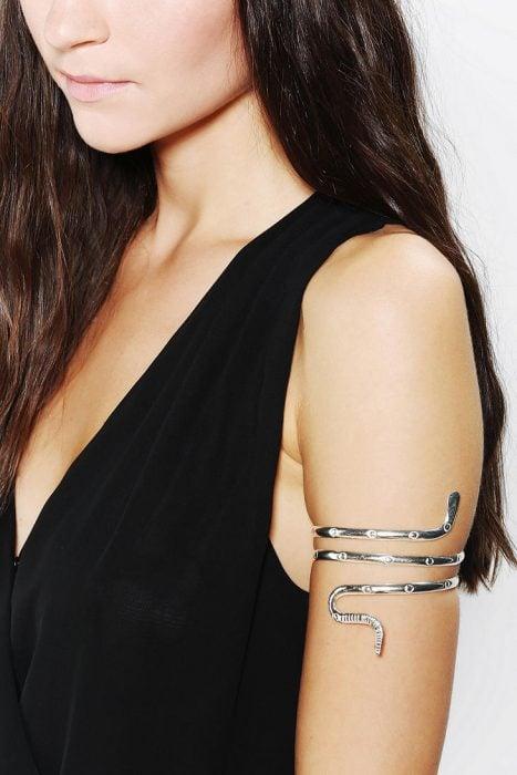 pulsera de serpiente para brazo