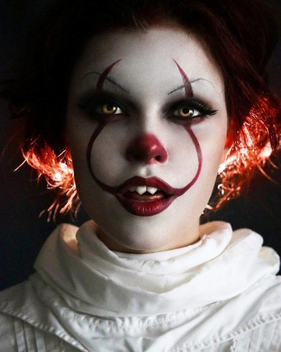 Alyson Tabbitha chica que se puede convertir en cualquier personaje