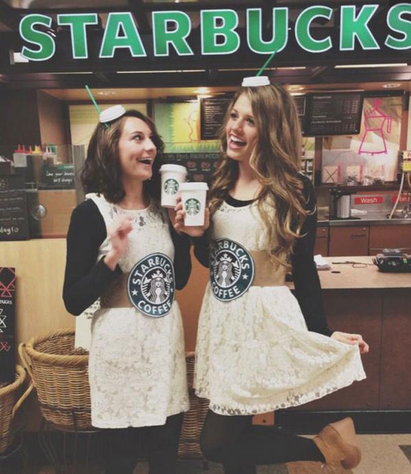 chicas tomando café
