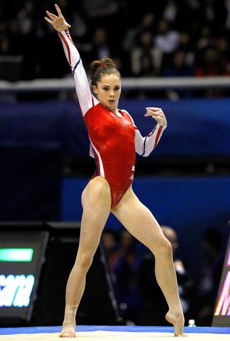 gimnasta que revela que fue abusada sexualmente