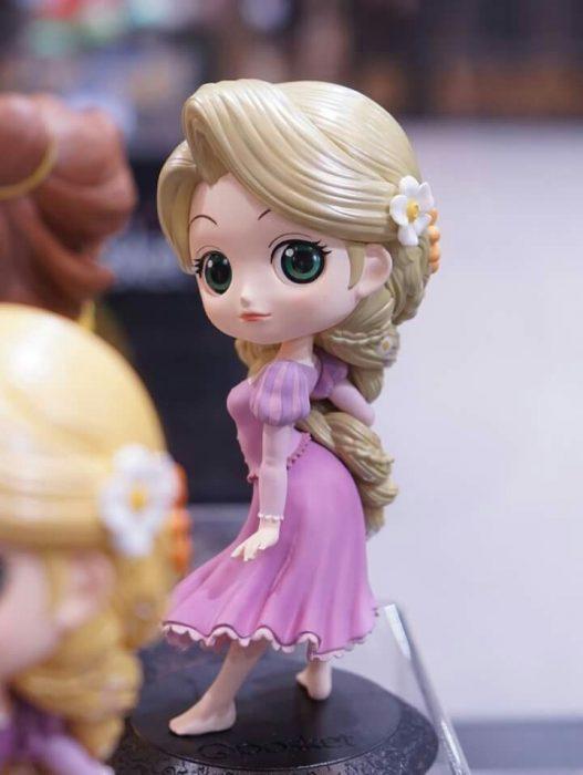 Muñeca de la princesa rapunzel