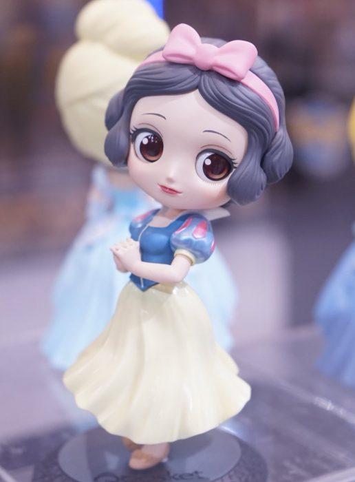 Muñeca de la princesa blanca nieves