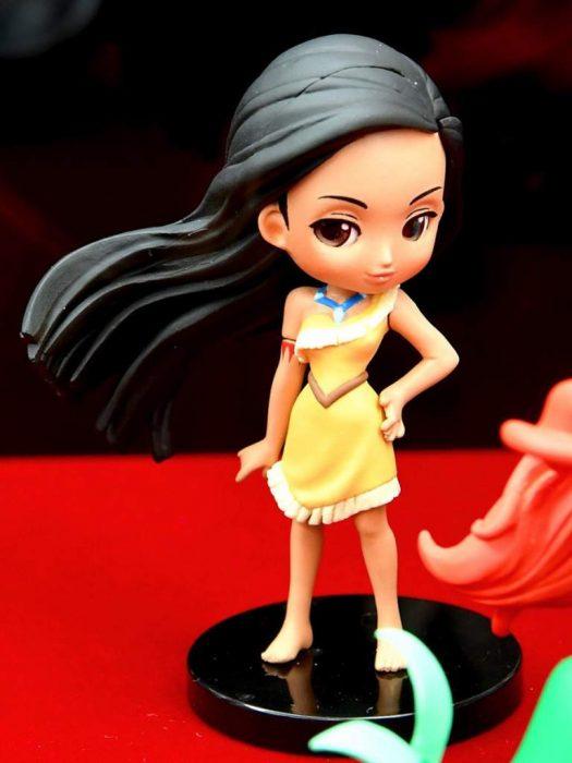 Muñeca de la princesa pocahontas