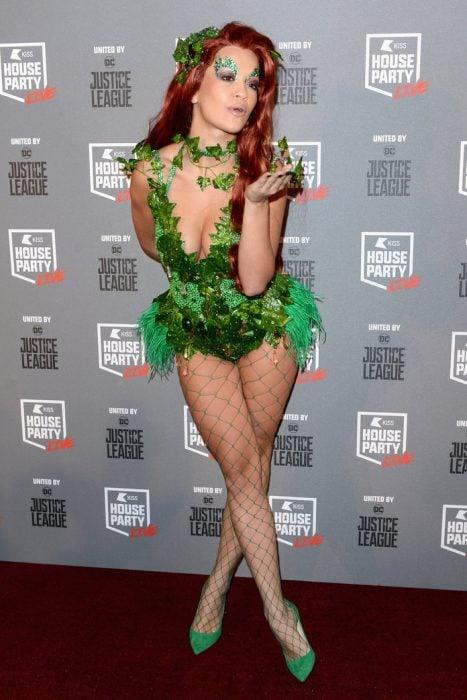 Rita Ora como Poison Ivy
