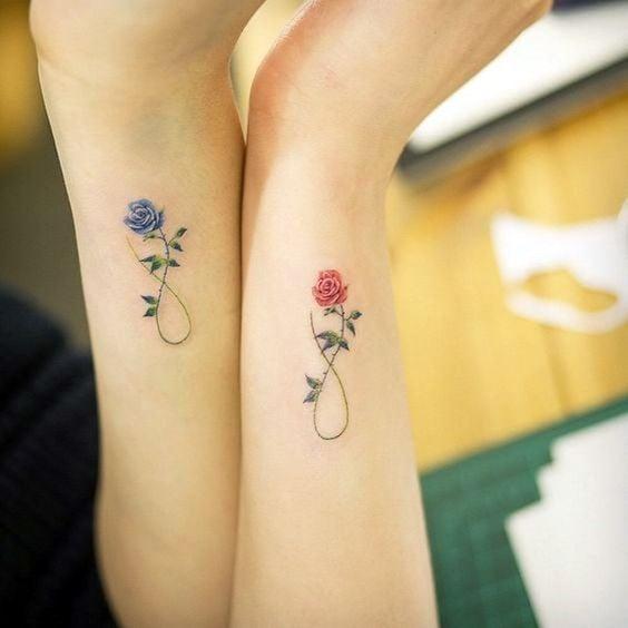 tatuajes de flores delicadas