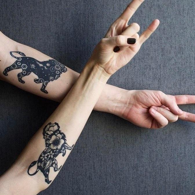 tatuaje de león en pareja