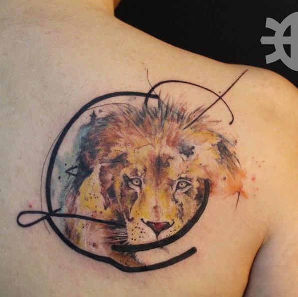 tatuaje de león con semicirculos