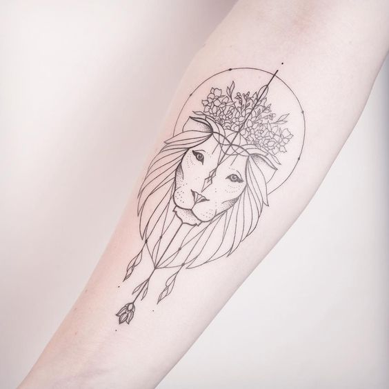 tatuaje de león de silueta