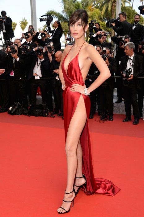 bella hadid vestido rojo