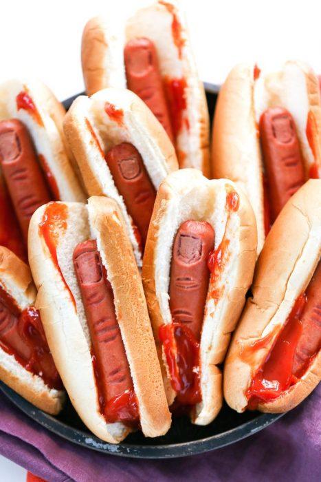 Hotdogs hechos con dedos