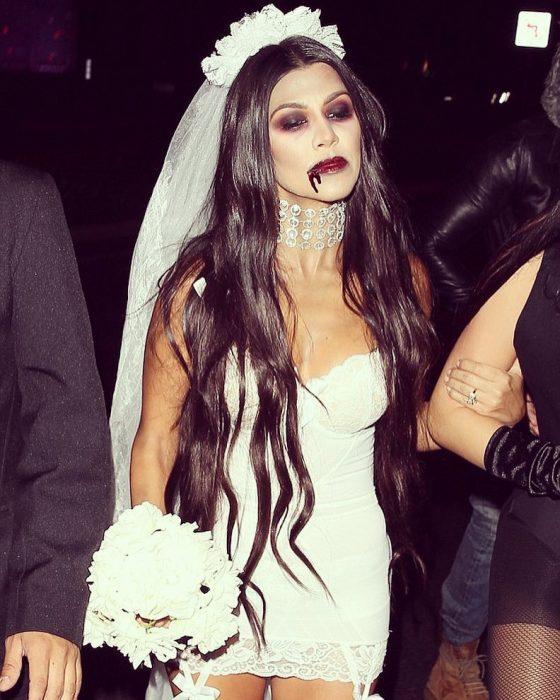 chica vestida de novia asesina