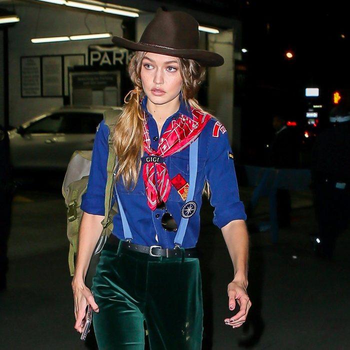 chica disfrazada de vaquero
