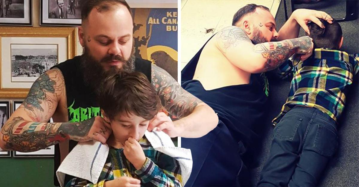 Un peluquero decidió tirarse al piso junto a un pequeño autista para cortar su cabello