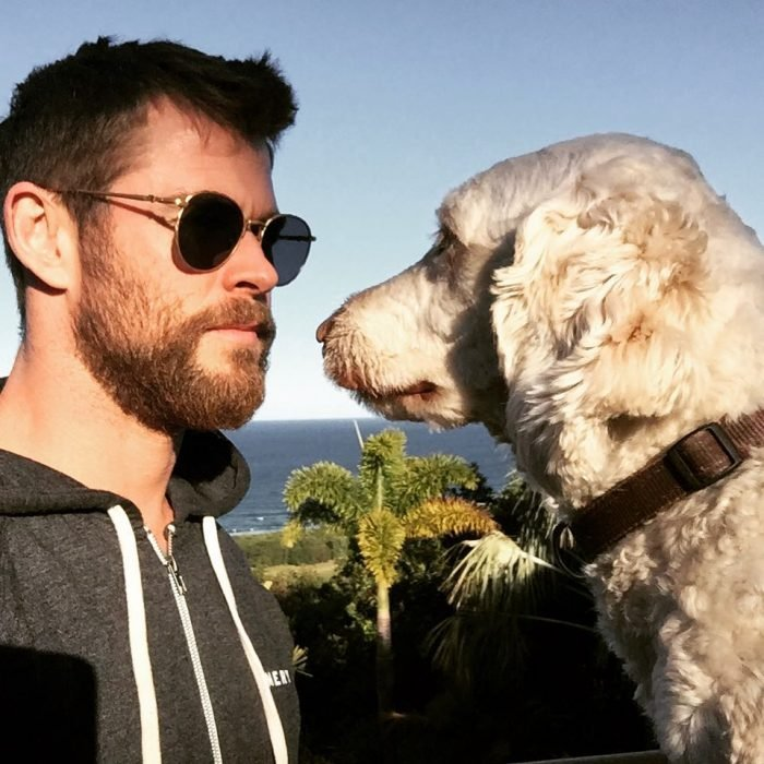 Chris Hemsworth y su perro