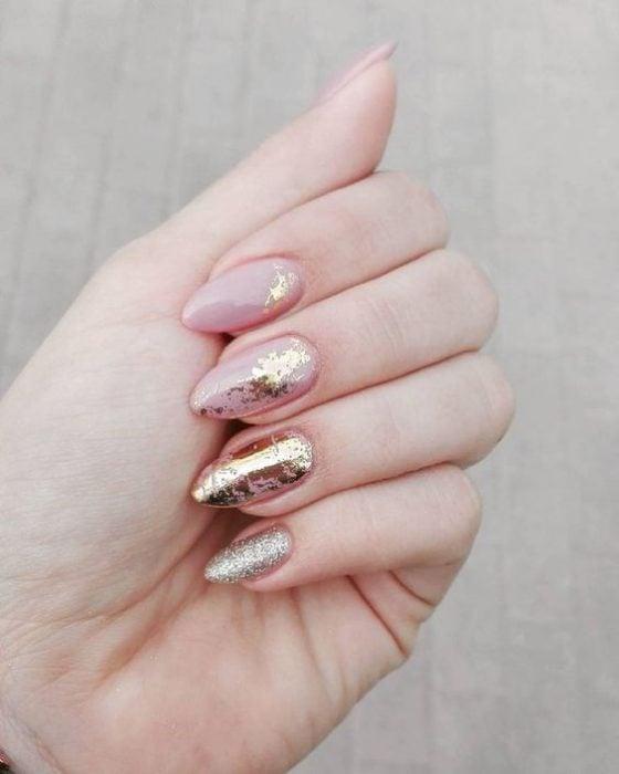 golden manicura
