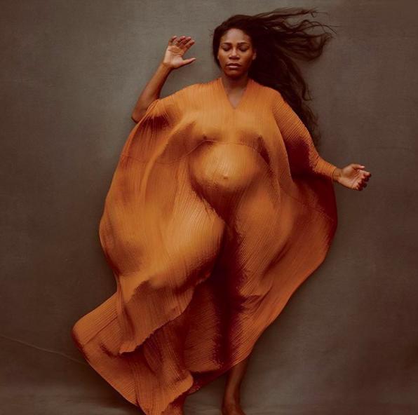 Famosas que hicieron una sesión de fotos extravangante para anunciar su embarazo