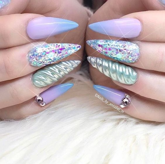 uñas unicorn