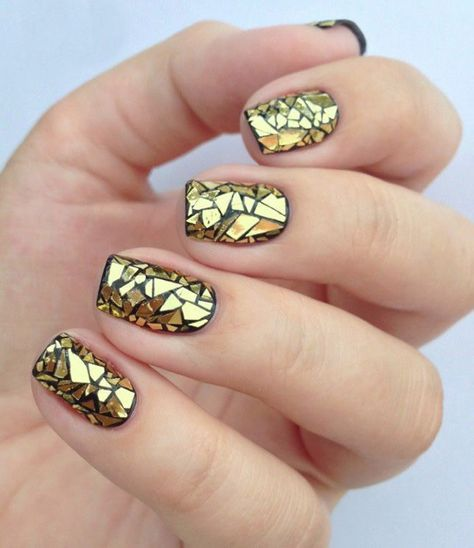 golden manicura