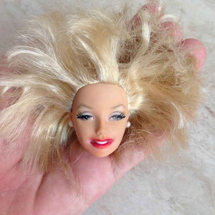 royal doll con pelo feo