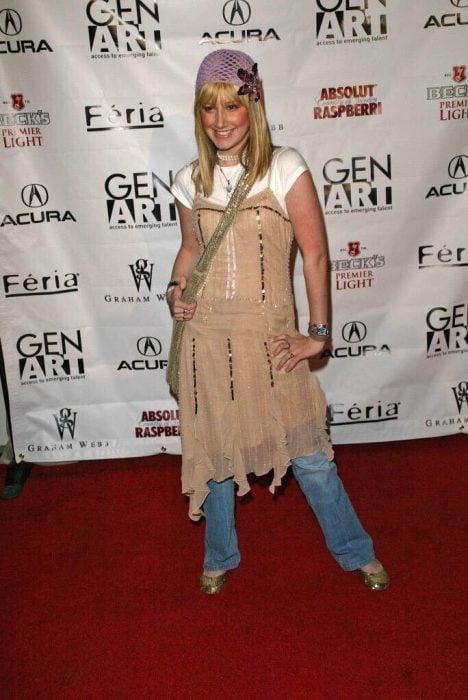Ashley Tisdayle durante una alfombra roja