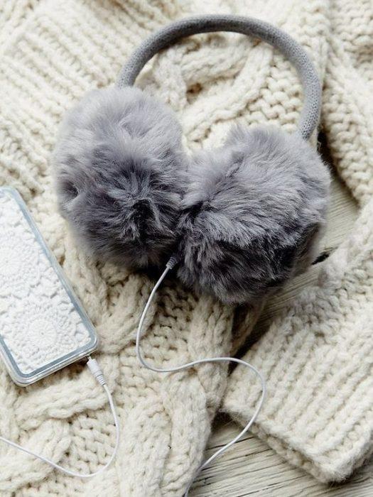 audífonos con peluche