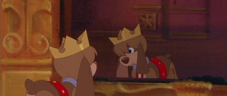 perrito con corona