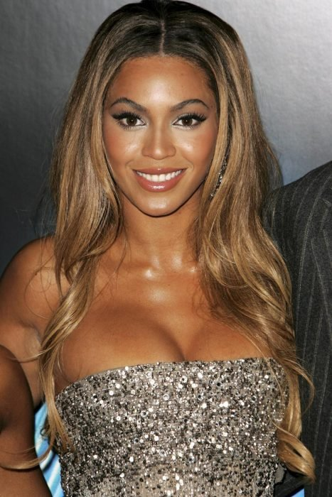 Beyoncé con peluca