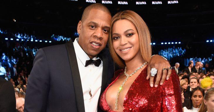 Jay z y Beyoncé sentados durante una entrega de premios