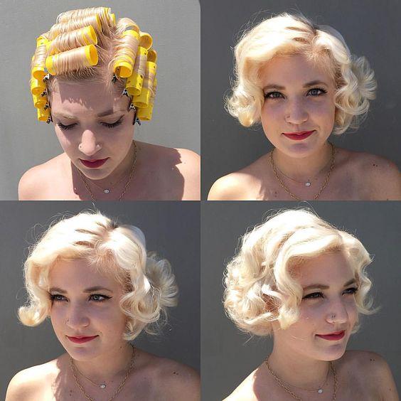 chica rizando su cabello